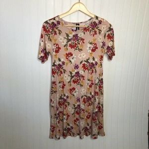 Agnes & Dora Everyday Tee Tunic Top Pink Floral XS